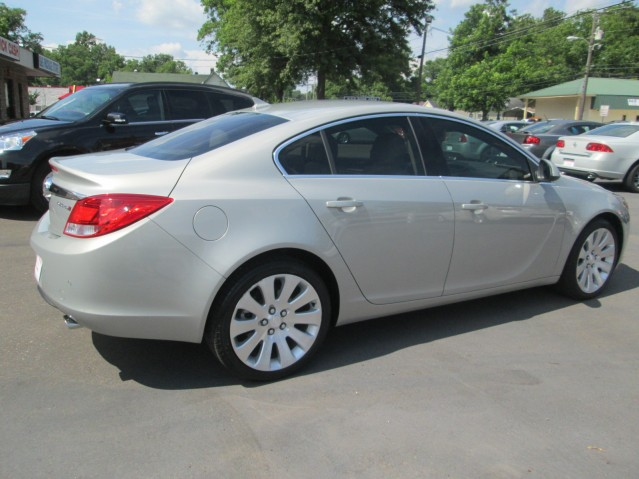B and B Auto Sales Marks, MS | 2011 Buick Regal